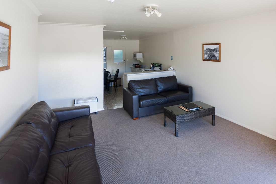 14-lounge
