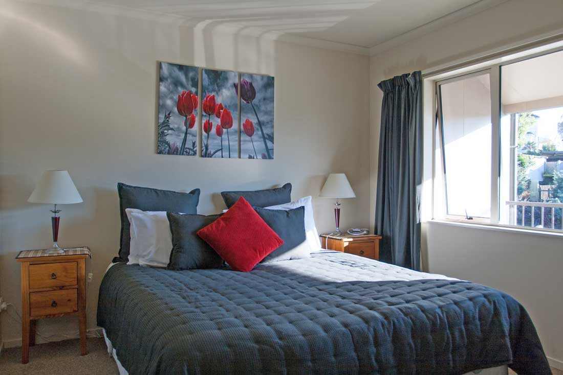lux-1bed-bed